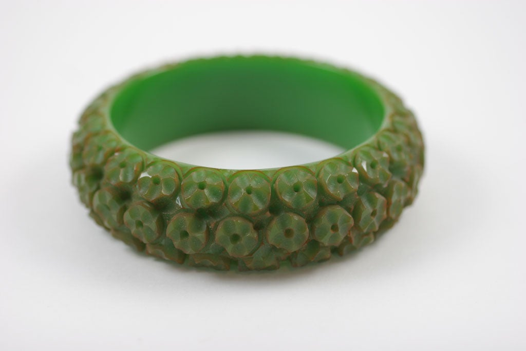 Set of Three Bakelite Bangle Bracelets 5