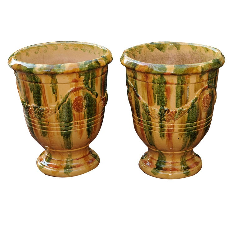 A pair of large glazed terracotta pots at 1stdibs for Terracotta works pots