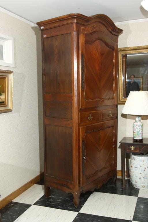 french cherry homme debout at 1stdibs. Black Bedroom Furniture Sets. Home Design Ideas