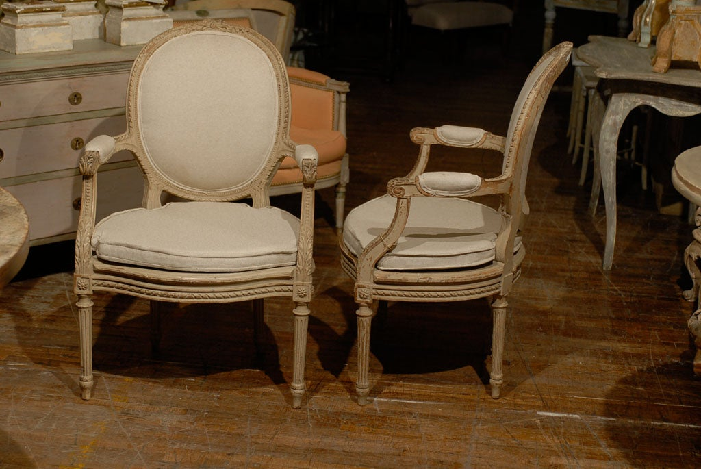 Exquisite Pair of French Oval Back Painted Wood Upholstered Bergeres Chairs 5