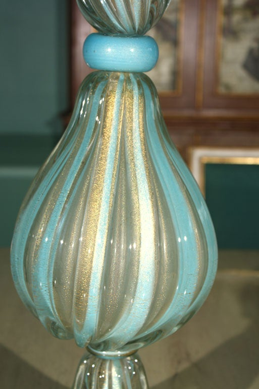 Tall Venetian Murano Glass Lamp In Excellent Condition For Sale In Stamford, CT