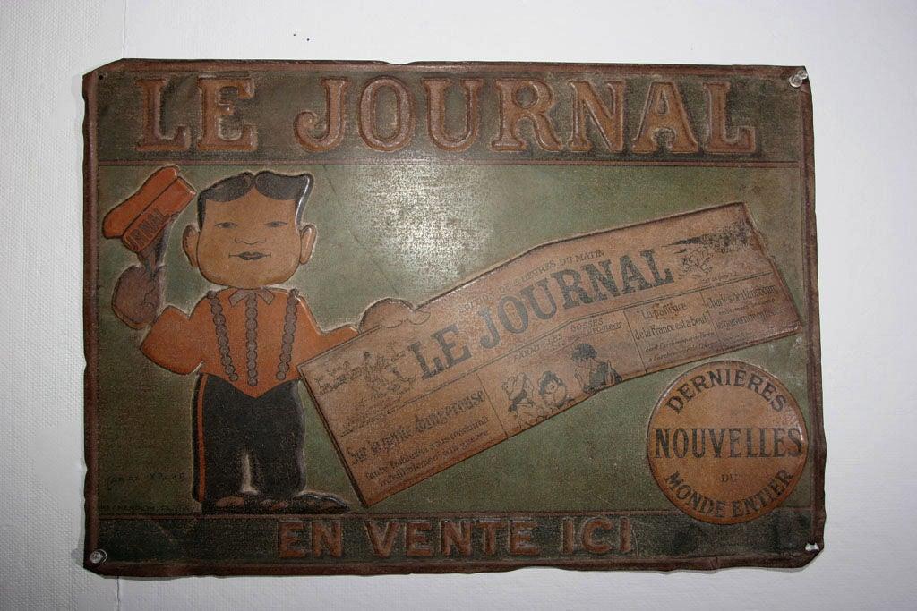Tin Trade Sign:  LE JOURNAL - EN VENTE ICI For Sale 5