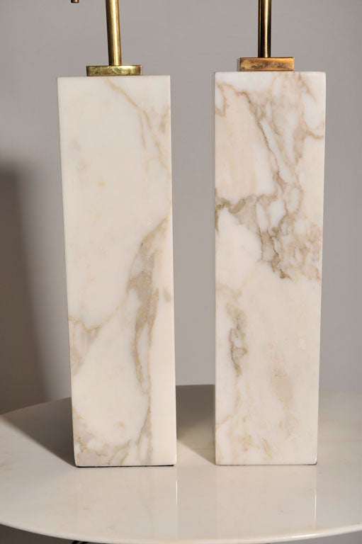 Pair of Square Marble Table Lamps by T.H. Robsjohn-Gibbings In Excellent Condition For Sale In New York, NY