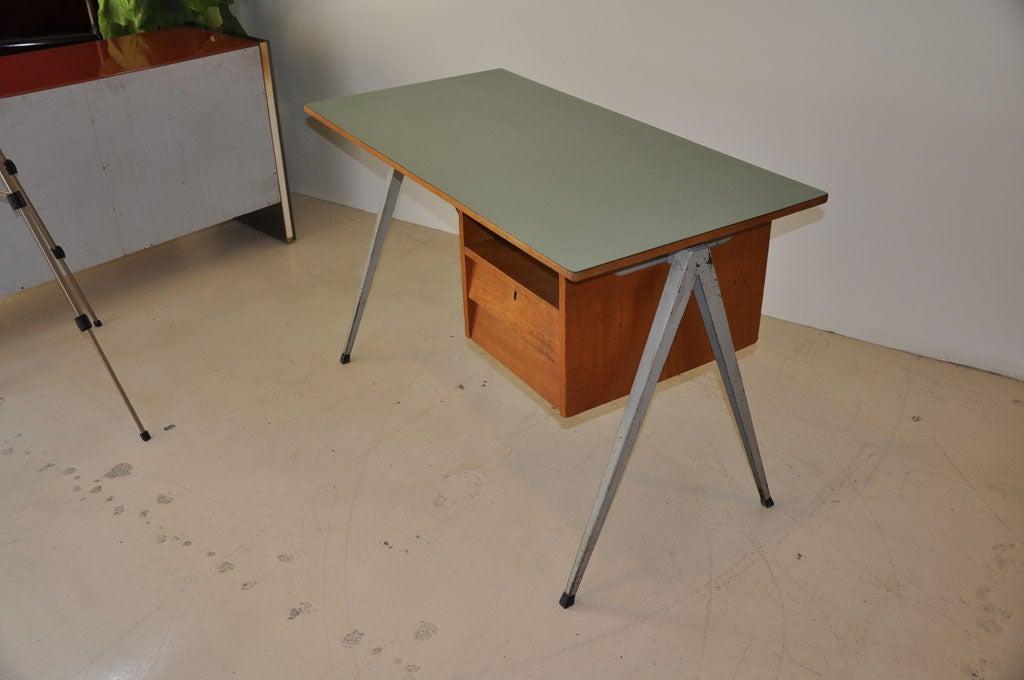 Dutch Desk 2