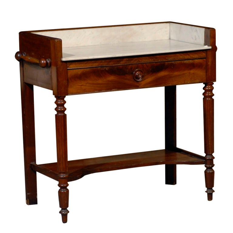 English Dressing Table at 1stdibs : xcopy from www.1stdibs.com size 768 x 768 jpeg 46kB