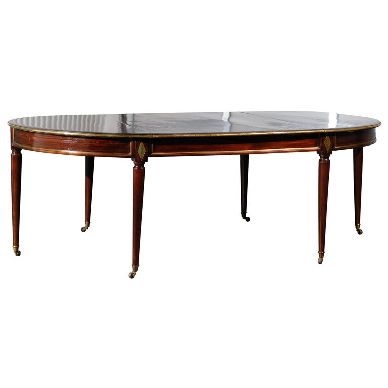 W brown antique dining table super quality at 1stdibs for Dining room tables quality