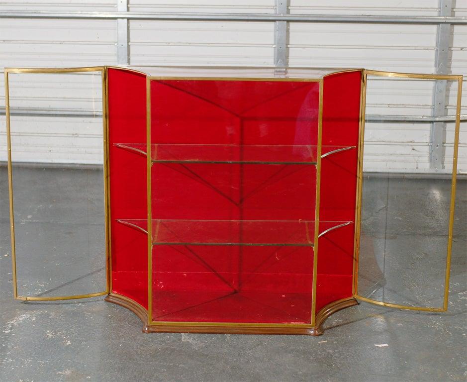 vintage brass and glass vitrine at 1stdibs. Black Bedroom Furniture Sets. Home Design Ideas
