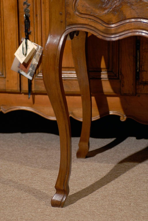 Louis XV Walnut Console Table with Hoof Feet ca. 1760 In Good Condition For Sale In Atlanta, GA