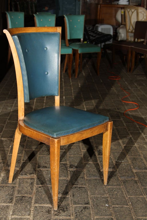 Set of Four French Chairs with Button Backs In Good Condition For Sale In Stamford, CT