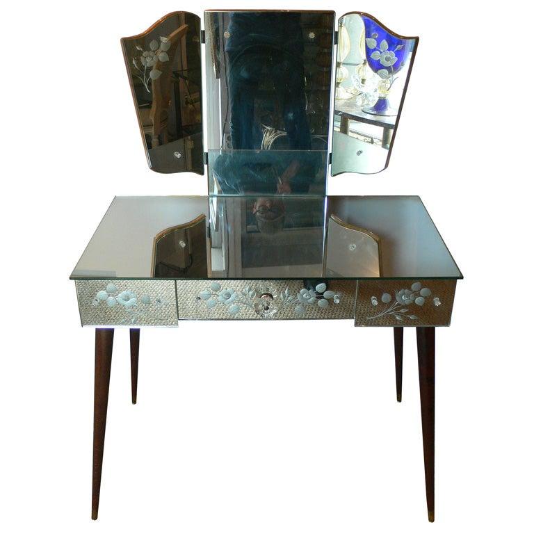 1950s Mirror Clad Vanity Table At 1stdibs