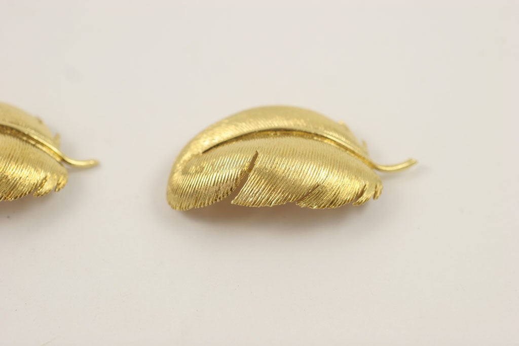 Matched TIFFANY & CO. Feather Brooches 5