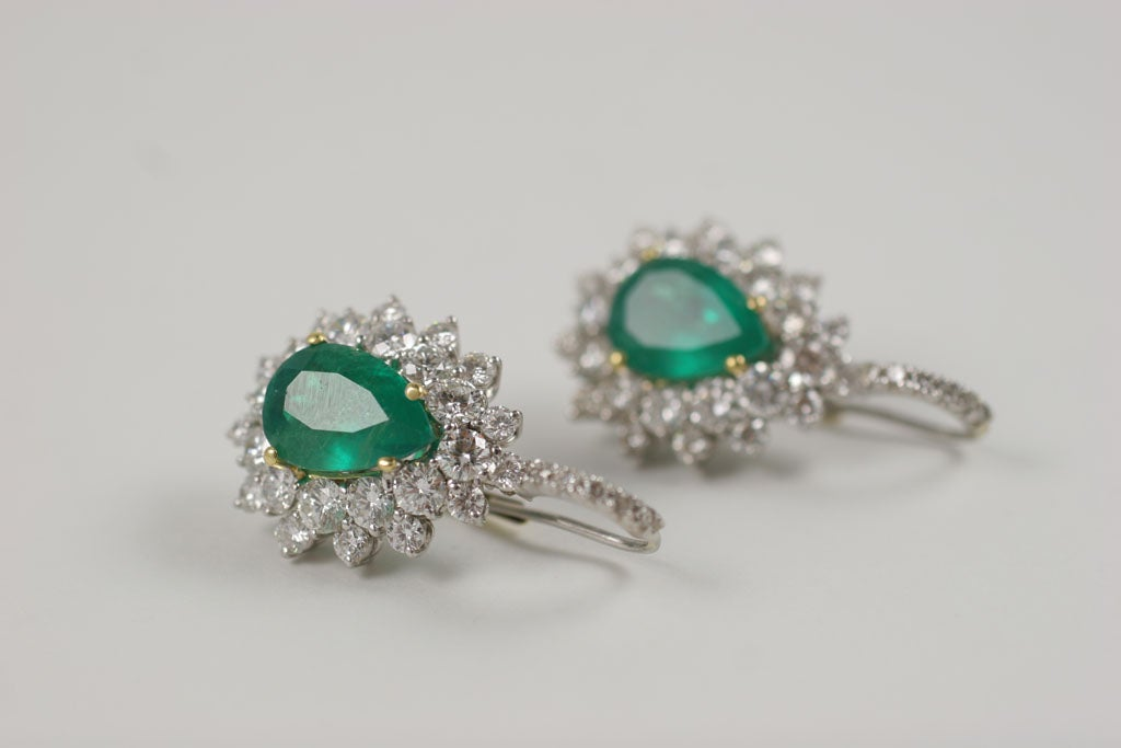 Emerald and Diamond Earrings For Sale 4