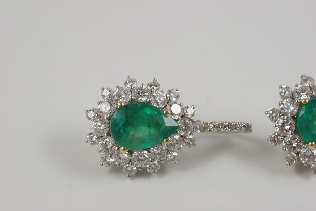 Emerald and Diamond Earrings For Sale 5