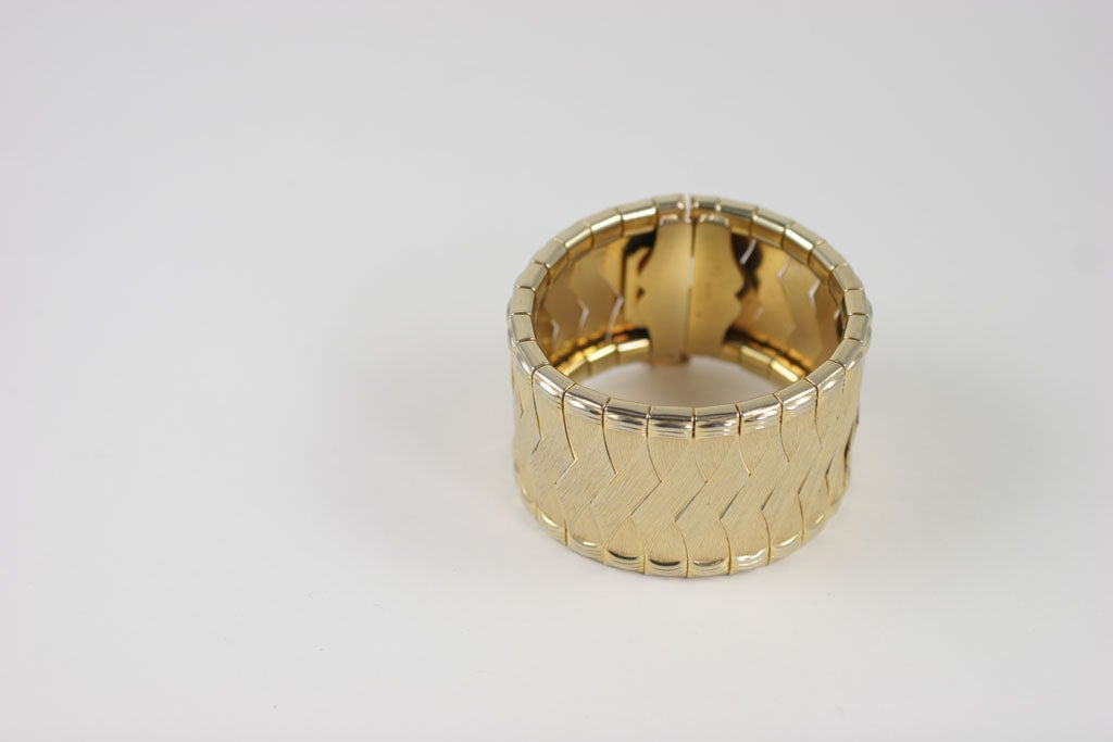 Woven Goldtone Bracelet In Excellent Condition For Sale In Stamford, CT