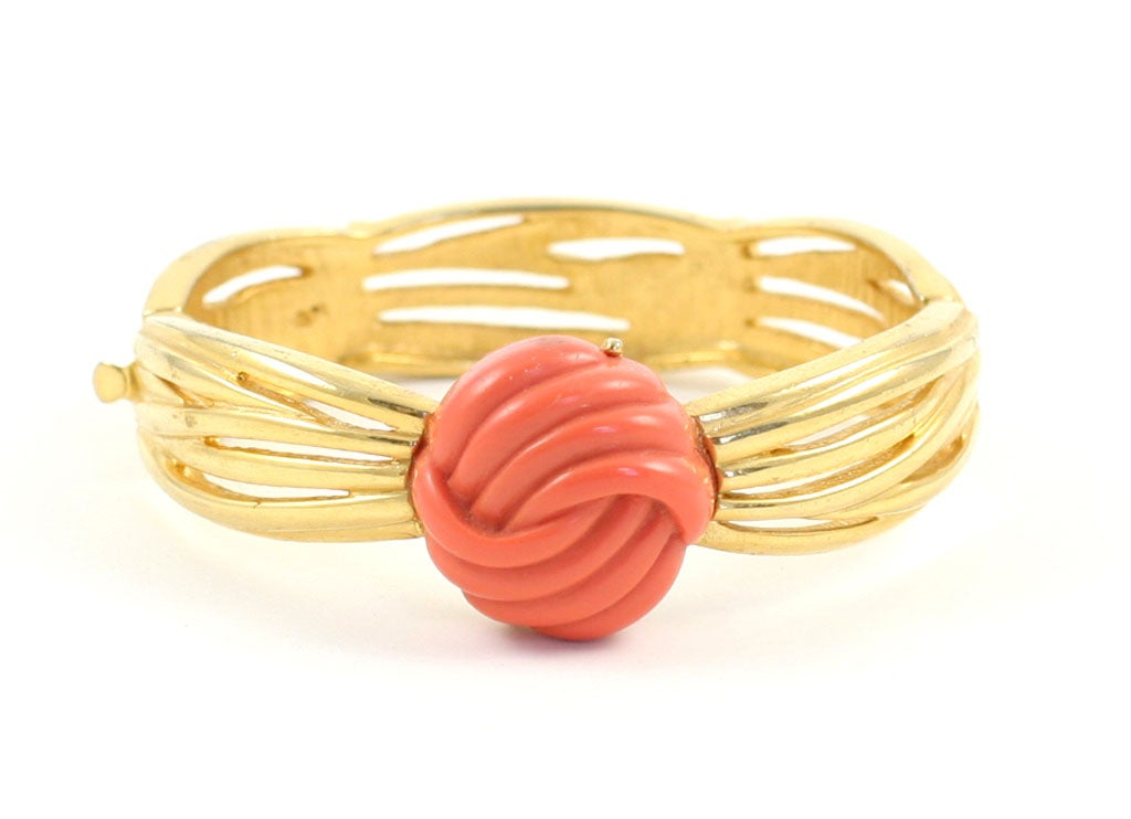 Lanvin Faux Coral and Gold Bracelet, Costume Jewelry In Excellent Condition For Sale In Stamford, CT