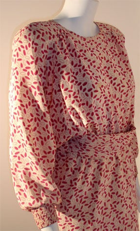 Valentino White and Pink Belted Silk Blouse Dress, Circa 1980 For Sale 1