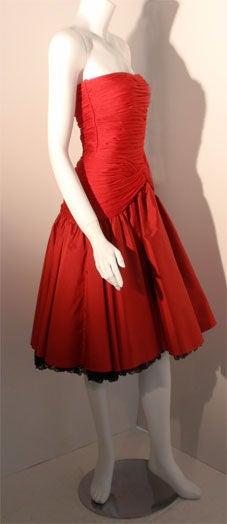 Women's JILL RICHARDS Red Strapless Jersey & Taffeta Dress with Black Crinoline 1980's For Sale