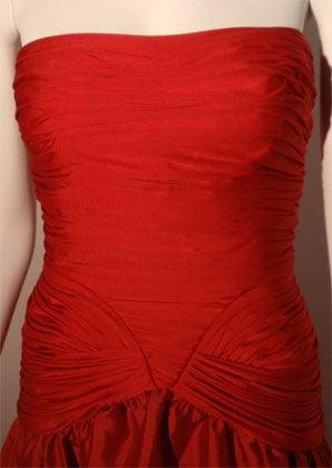 JILL RICHARDS Red Strapless Jersey & Taffeta Dress with Black Crinoline 1980's For Sale 3