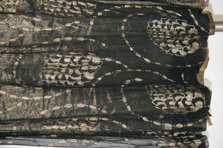 1920s Vintage Dress. Black silk chiffon and gold lame brocade 10