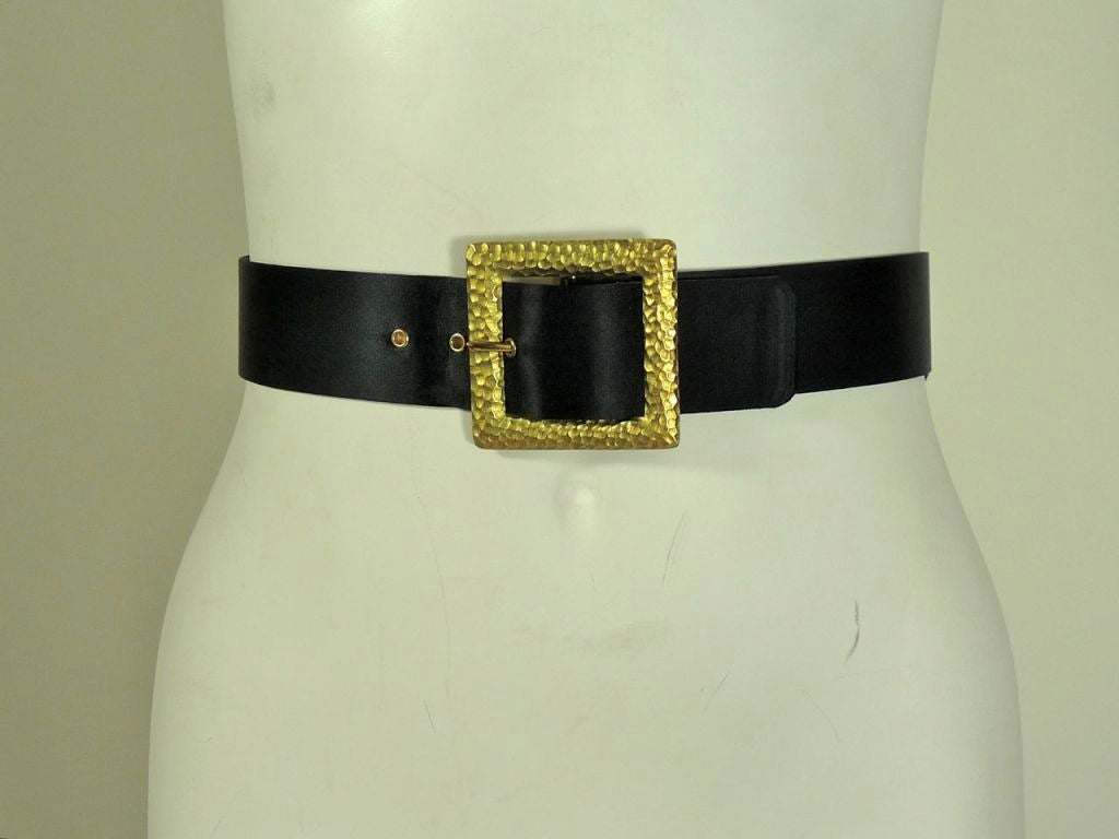 Chanel Bow Belt with Gold Buckle. 2