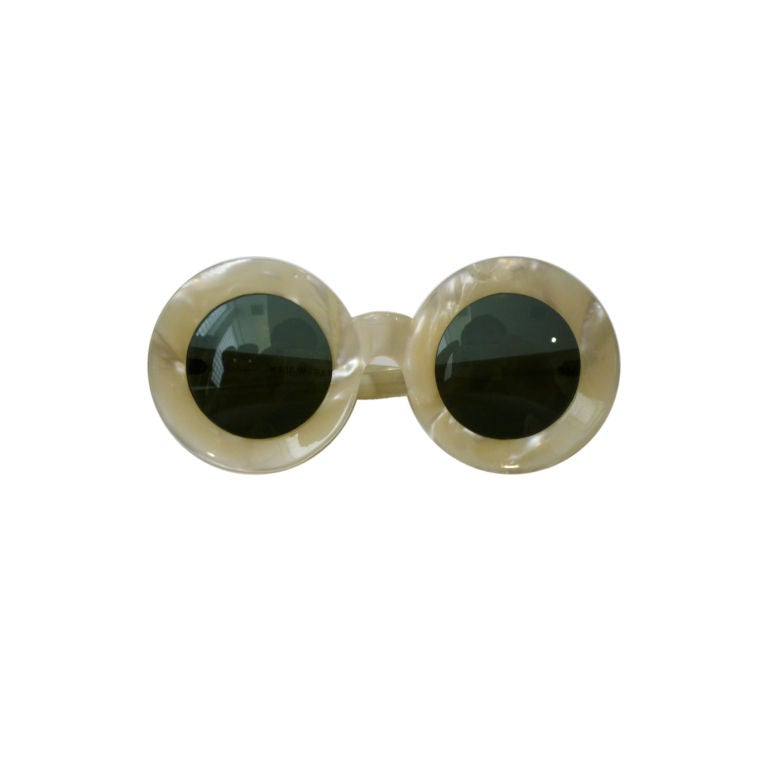 50s Chic Pearlized Round Sunglasses 1