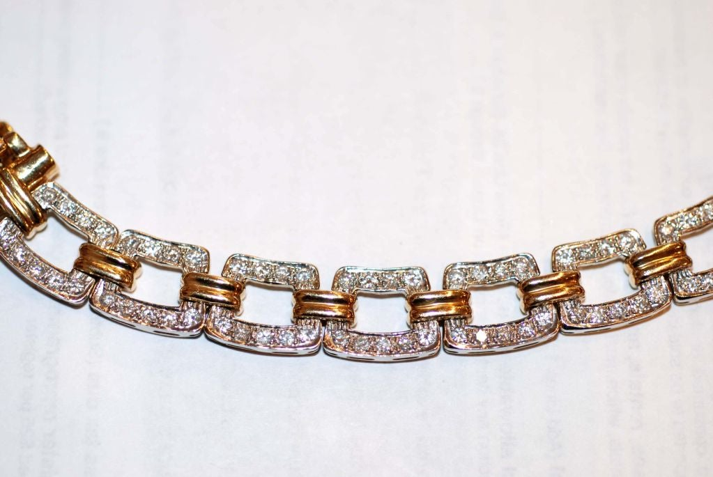 !4K gold link necklace containing 3.5cts diamonds.