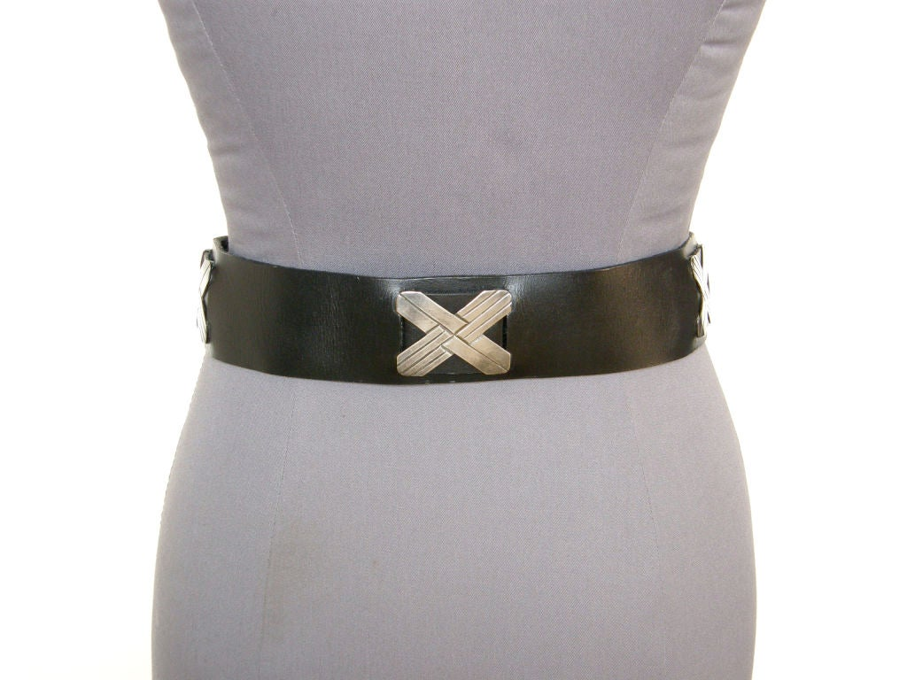 Mexican Sterling and Black Leather Belt In Good Condition For Sale In Chicago, IL