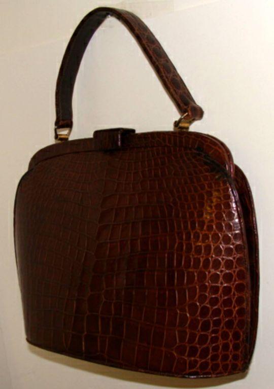 This Week 1stdibs Is Highlighting American Designers Nettie Rosenstein One Of Our Favorite Handbag