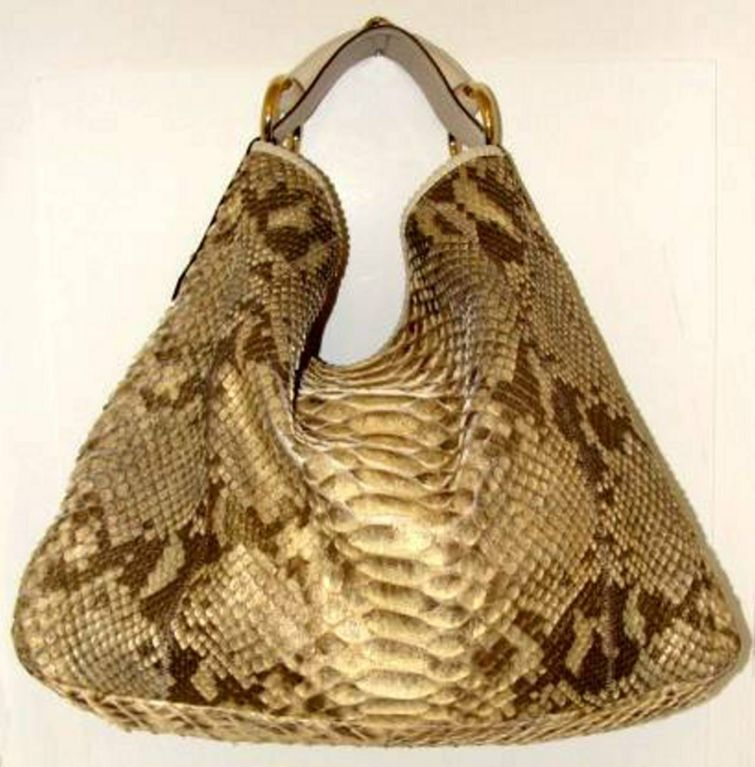 Large And Capacious Hobo Bag From Gucci This Piece Is Another Consignment An Avid