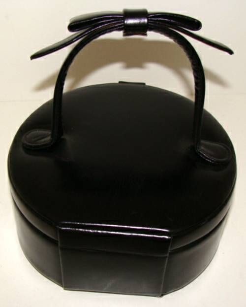 Black Calfskin Hatbox Purse for Evening by Greta For Sale 1