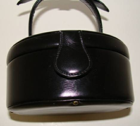 Black Calfskin Hatbox Purse for Evening by Greta For Sale 4