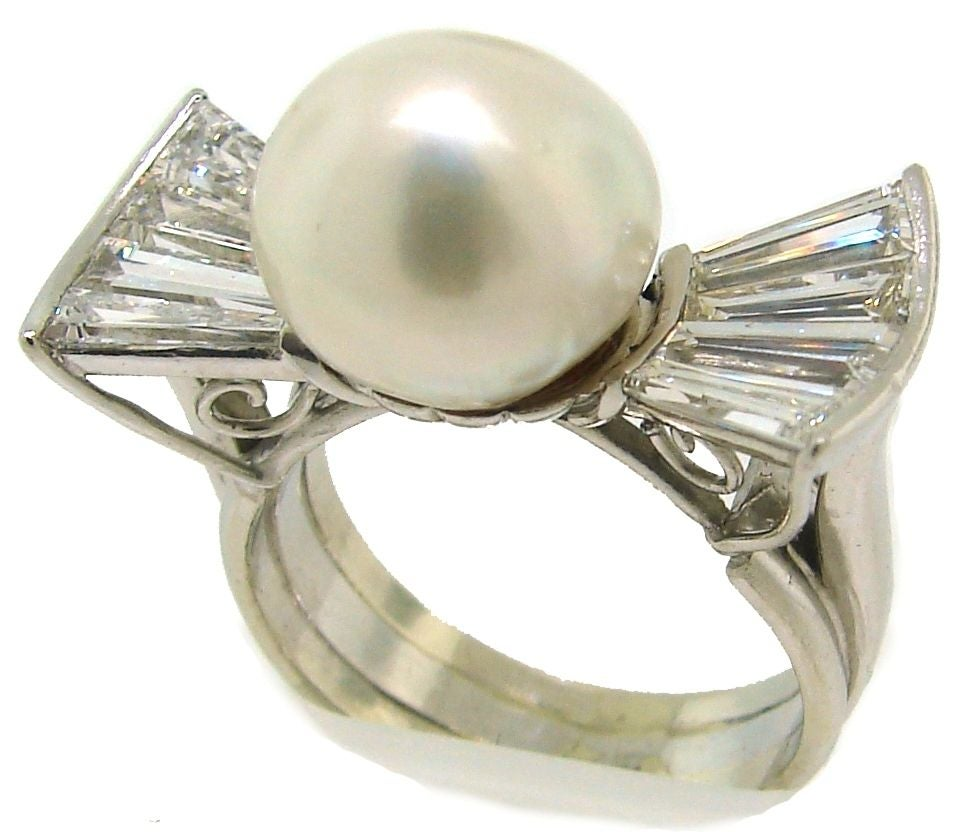 Vintage South Sea Pearl, Diamond Baguettes & White Gold Bow Ring 2