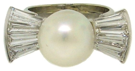 Vintage South Sea Pearl, Diamond Baguettes & White Gold Bow Ring 3