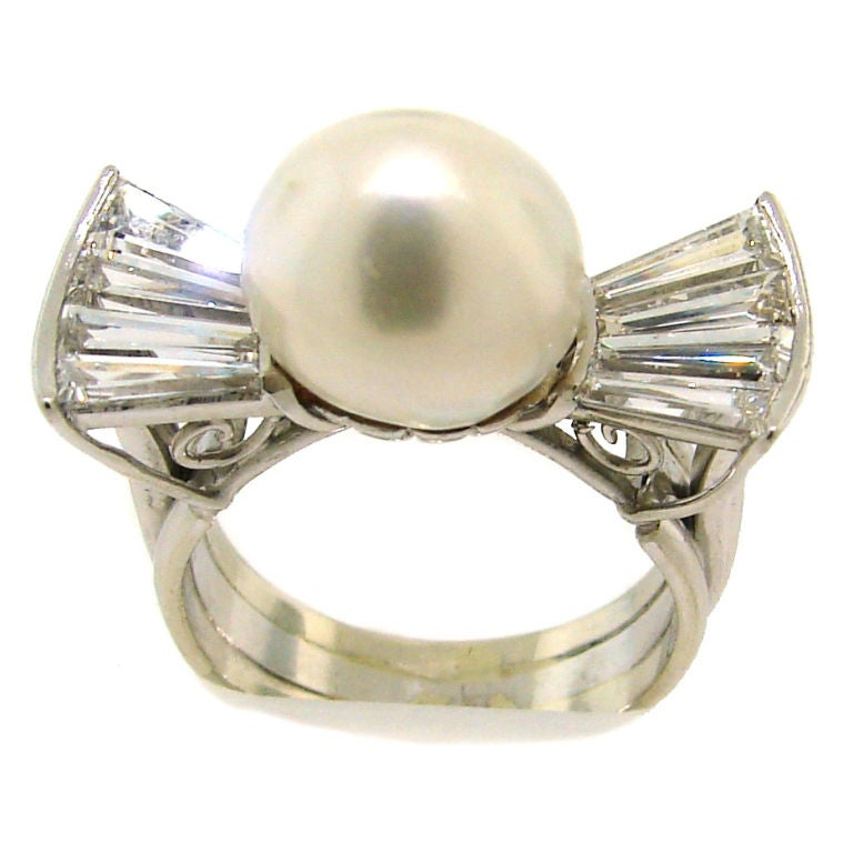 Vintage South Sea Pearl, Diamond Baguettes & White Gold Bow Ring 1