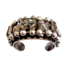 THE SHOW MUST GO ON faceted glass & pyramid stud cuff