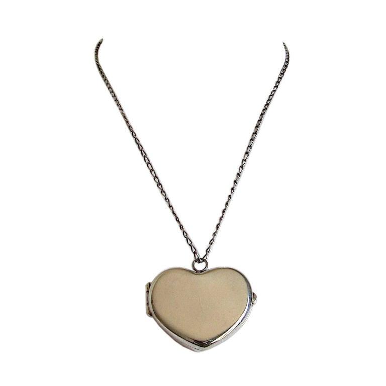fa2eea203e8ac Tiffany & Co. sterling heart locket