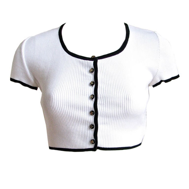CHANEL cropped white cardigan with CC buttons 1
