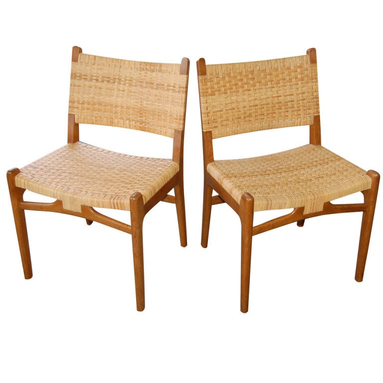 This four wishbone chairs by hans wegner is no longer available - Hans Wegner Oak And Cane Chairs At 1stdibs