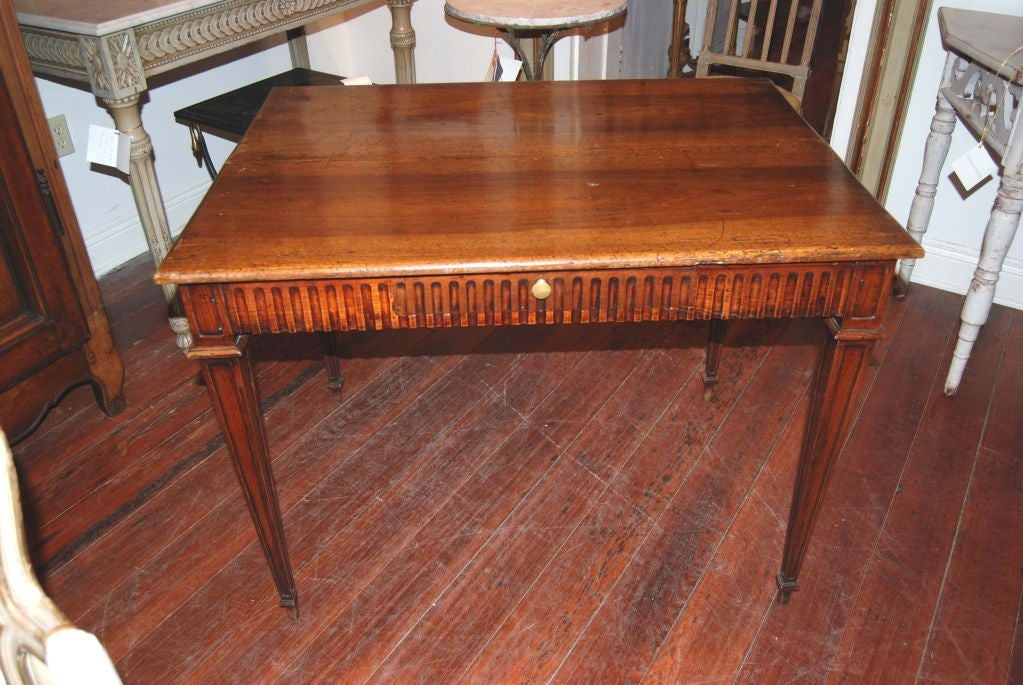 19th Century Walnut Writing Table For Sale 1