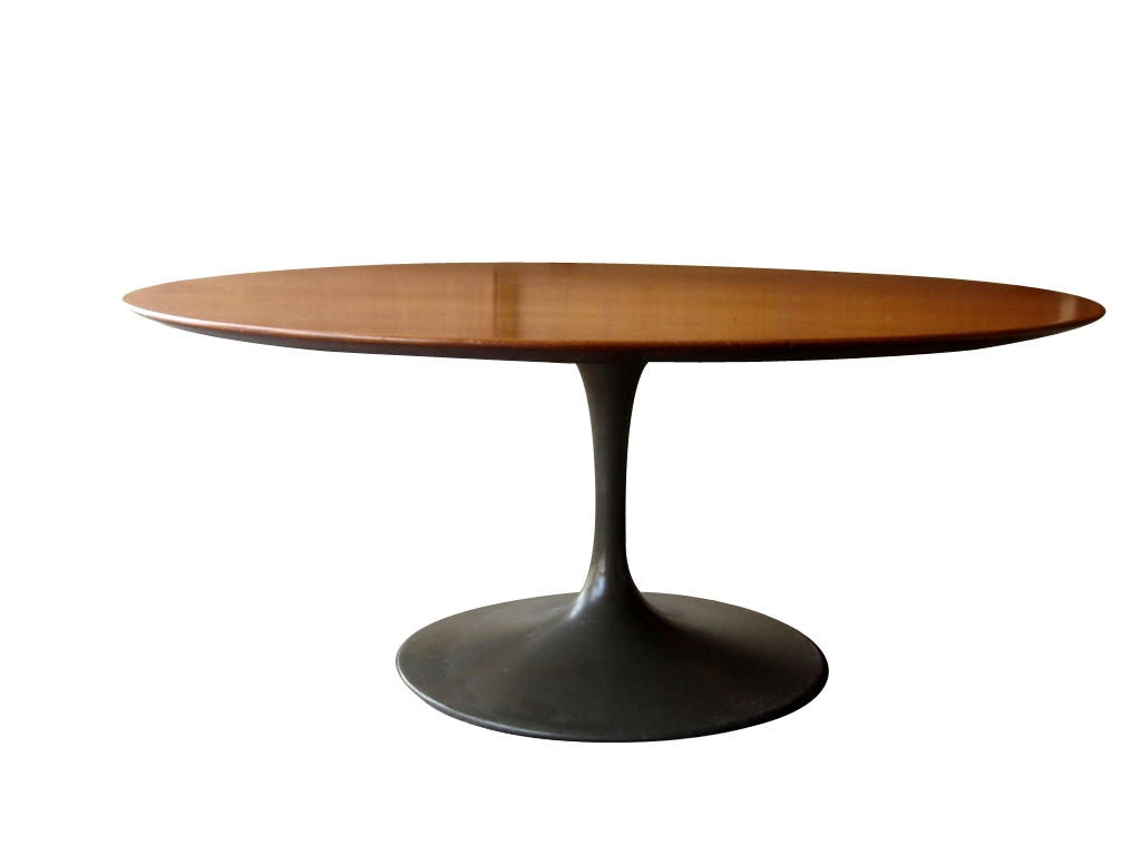 vintage round tulip coffee table by saarinen for knoll at 1stdibs