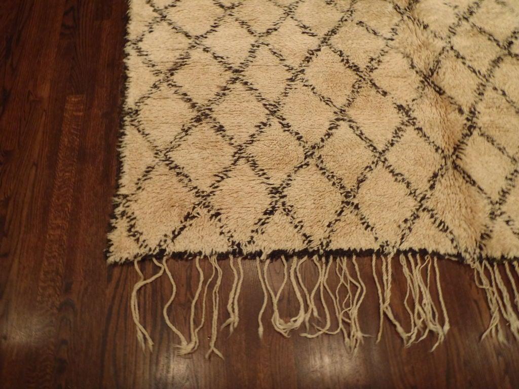 vintage moroccan beni ourain rug at 1stdibs. Black Bedroom Furniture Sets. Home Design Ideas