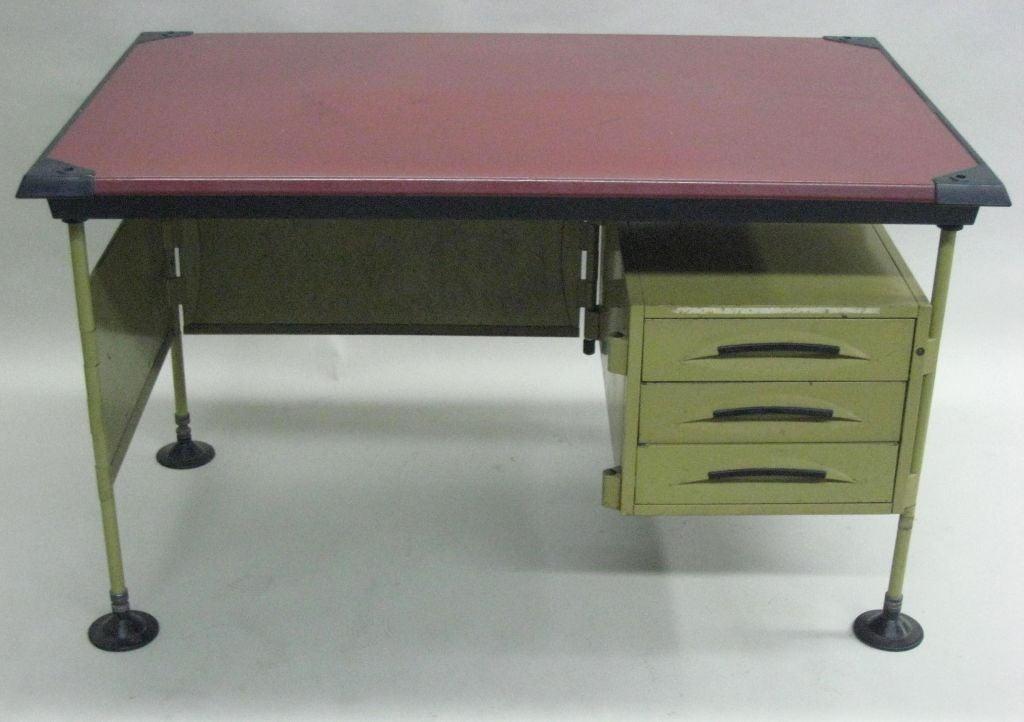 Important Italian Mid-Century Modern Enameled metal desk