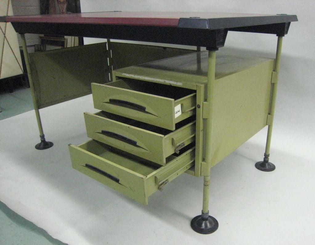 Mid-20th Century Italian Modernist Spazio Desk by Studio BBPR for Olivetti For Sale