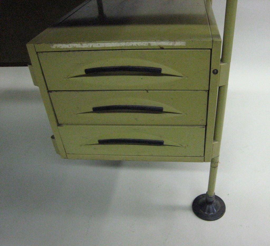 Italian Modernist Spazio Desk by Studio BBPR for Olivetti For Sale 1