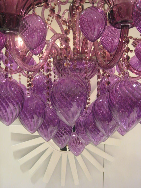 Pair of Italian Mid-Century Style Murano Glass Chandeliers In Excellent Condition For Sale In New York, NY