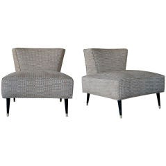 A Stylish Pair of American Mid-Century Wedge-Back Chairs