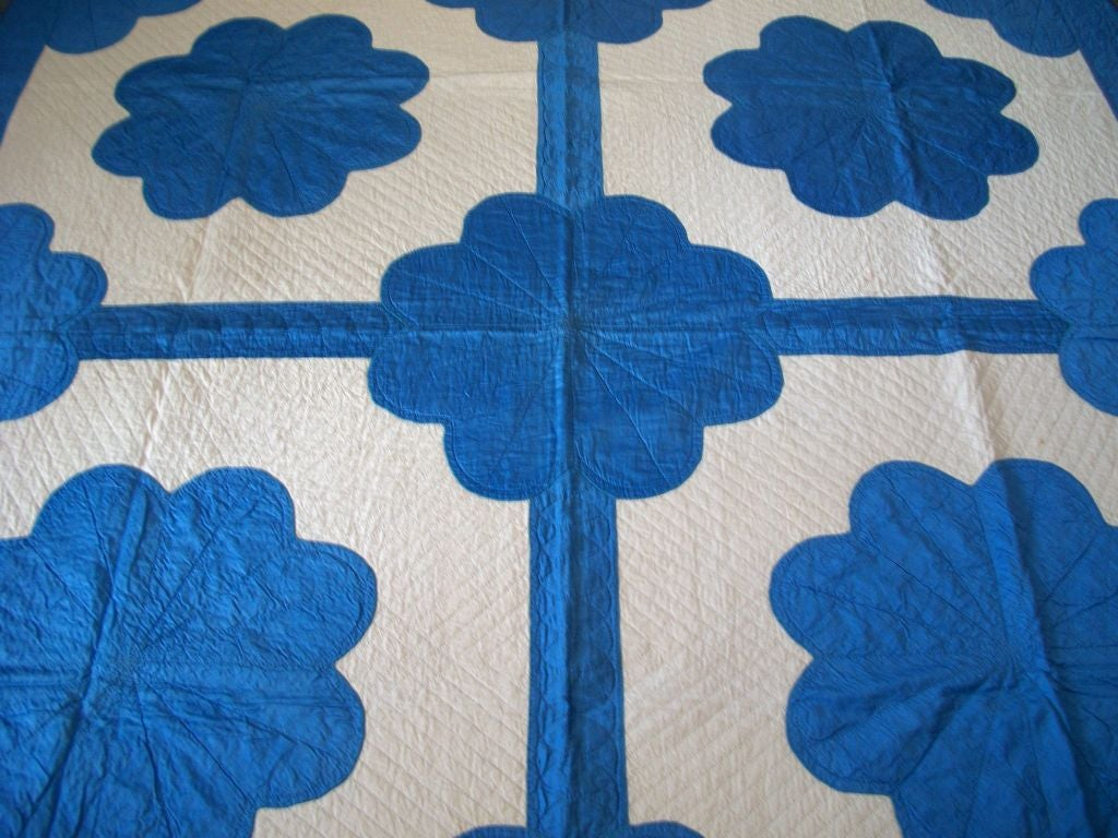 20TH C.  COTTON SATEEN APPLIQUE QUILT/BLUE & CREAM image 5
