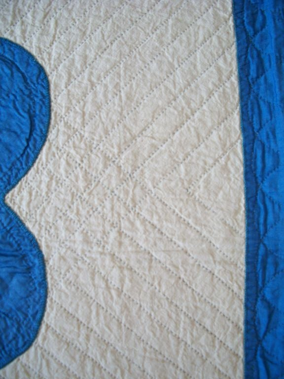 20TH C.  COTTON SATEEN APPLIQUE QUILT/BLUE & CREAM image 6