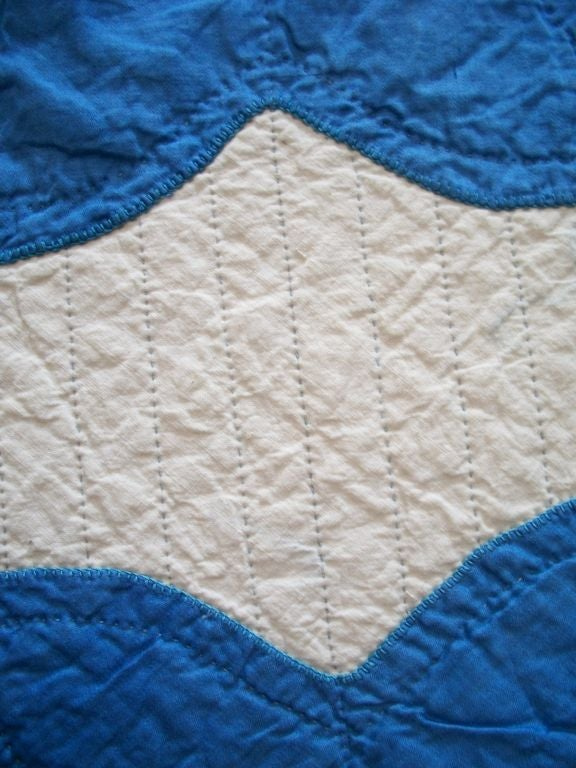 20TH C.  COTTON SATEEN APPLIQUE QUILT/BLUE & CREAM image 8