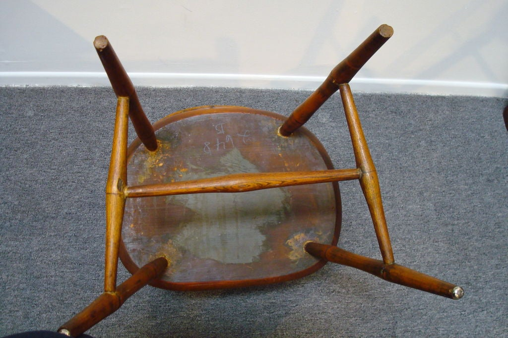 18TH C. NEW ENGLAND BOW BACK WINDSOR  ARM CHAIR W/SADDLE SEAT For Sale 5